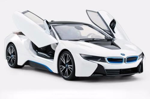 Машина на радиоуправлении BMW i8