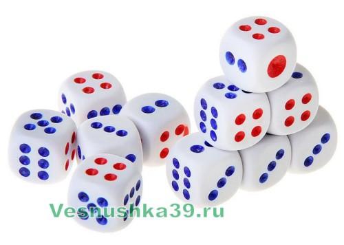 kubiki-igrovye-belye-poshtuchno-dice (2)