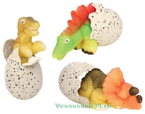 yajco-dinozavra-rastushhee-v-vode (1)
